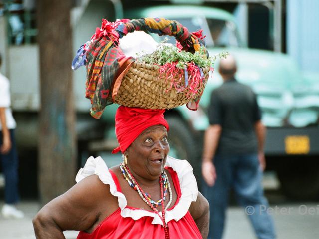 cuba - 2005_woman basket on head