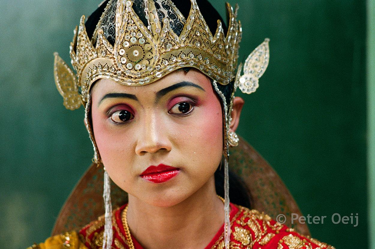 indonesia - 1992_bali dancer