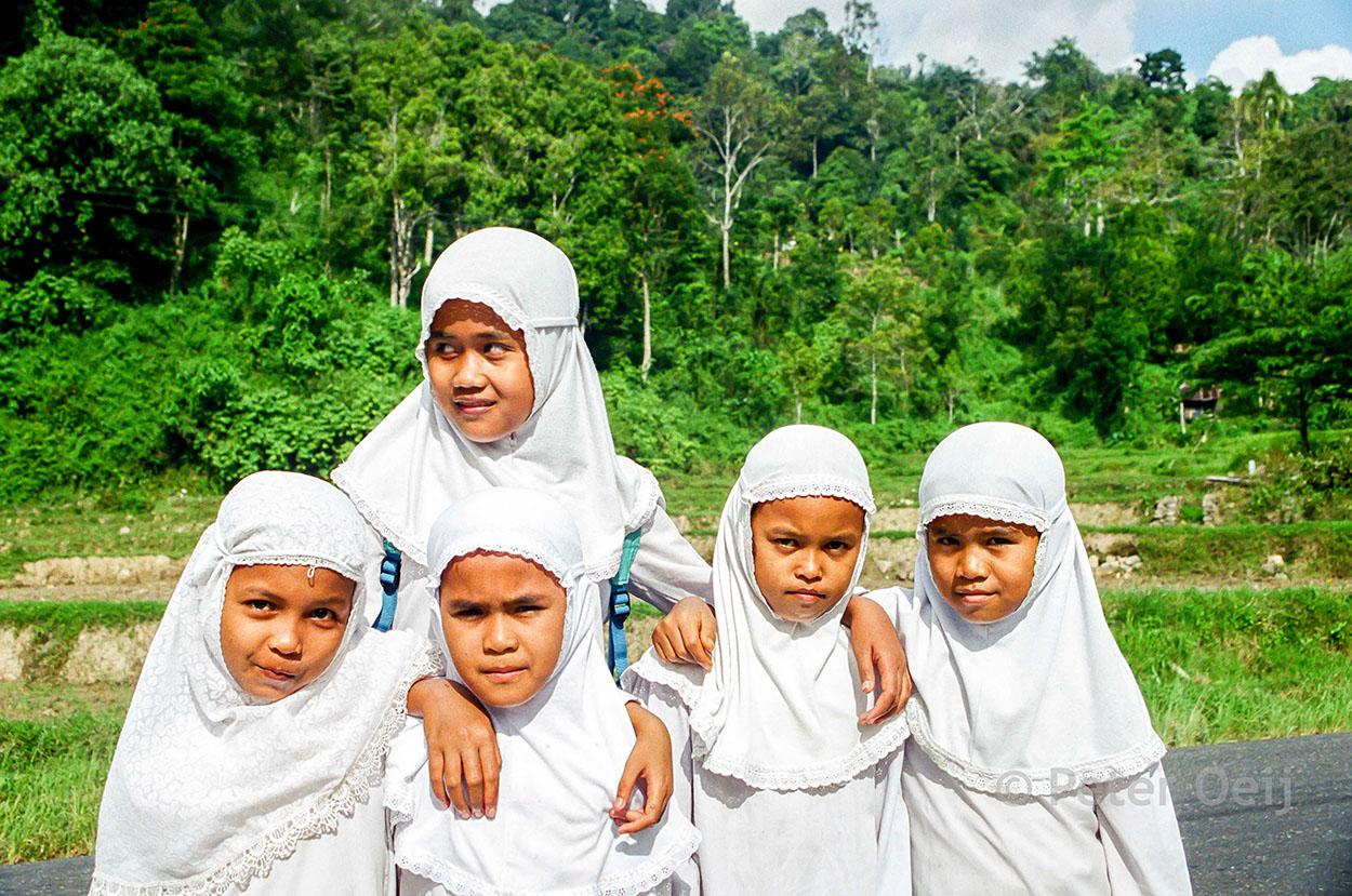 indonesia - 2003_islamic girls