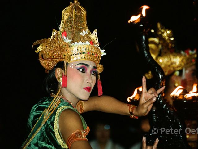 indonesia - 2003_bali dancer